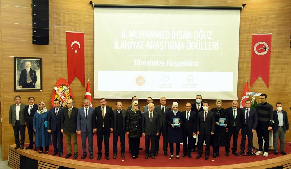 2. Muhammed İhsan Oğuz İlahiyat Araştırma Ödülleri sahiplerini buldu