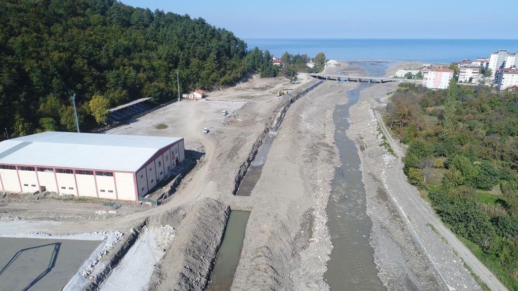 Ezine'de  kalıcı tesislerin inşası başladı